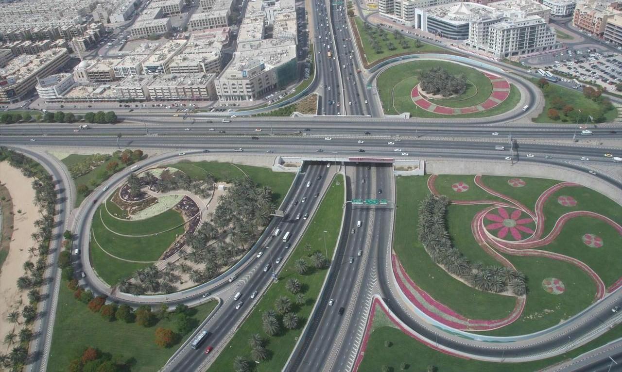 dubai_roads_on_1_may_2007